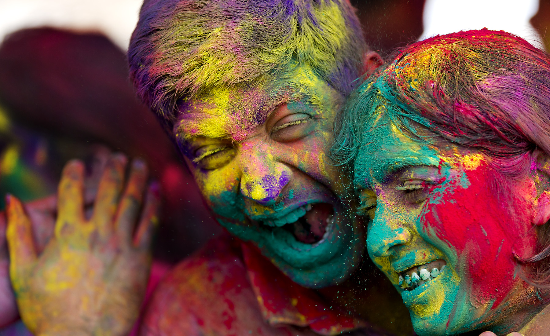 unforgettable incident the festival holi colours I was born in spring season ,the season of colours ,beautiful flowers all around n lovely coloured trees with new n tender leaves colours do fascinate me , i believe.