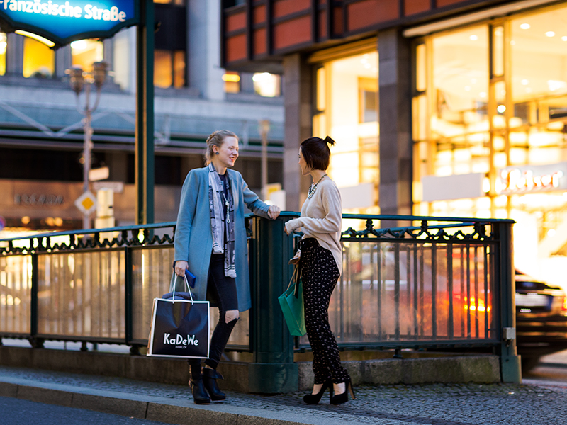 What do Kennedy, Coffee Moms, And The First Traffic Cop Have to do With Fashion?!?! – A Fashion Stroll Through Berlin Part 2.