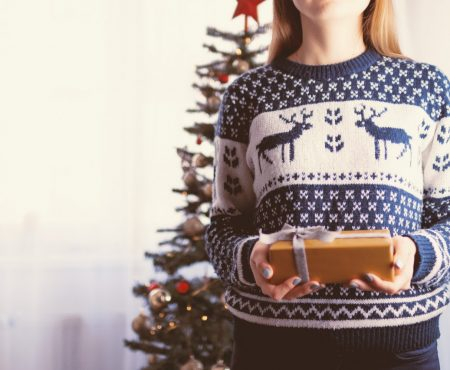 5 Cozy Yet Chic Holiday Gifts for the Entire Family