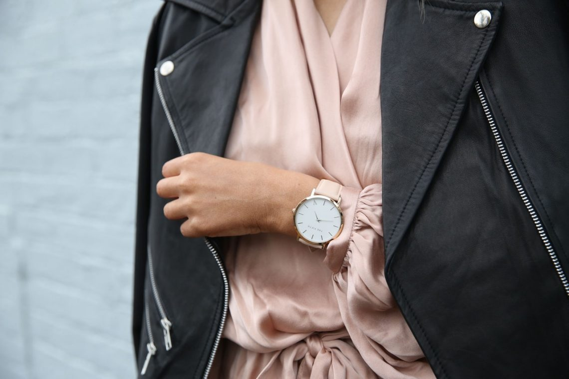 Tips to Wear Women's Big Face Watches With Style