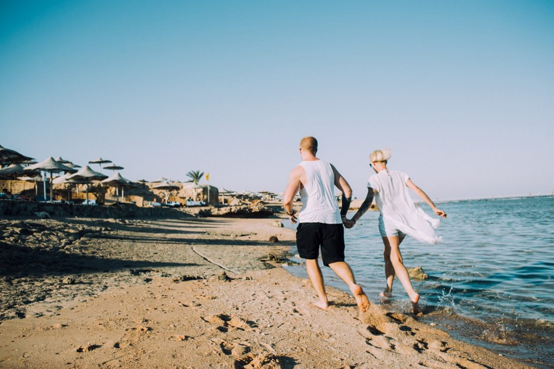 How to Plan a No-Stress Honeymoon