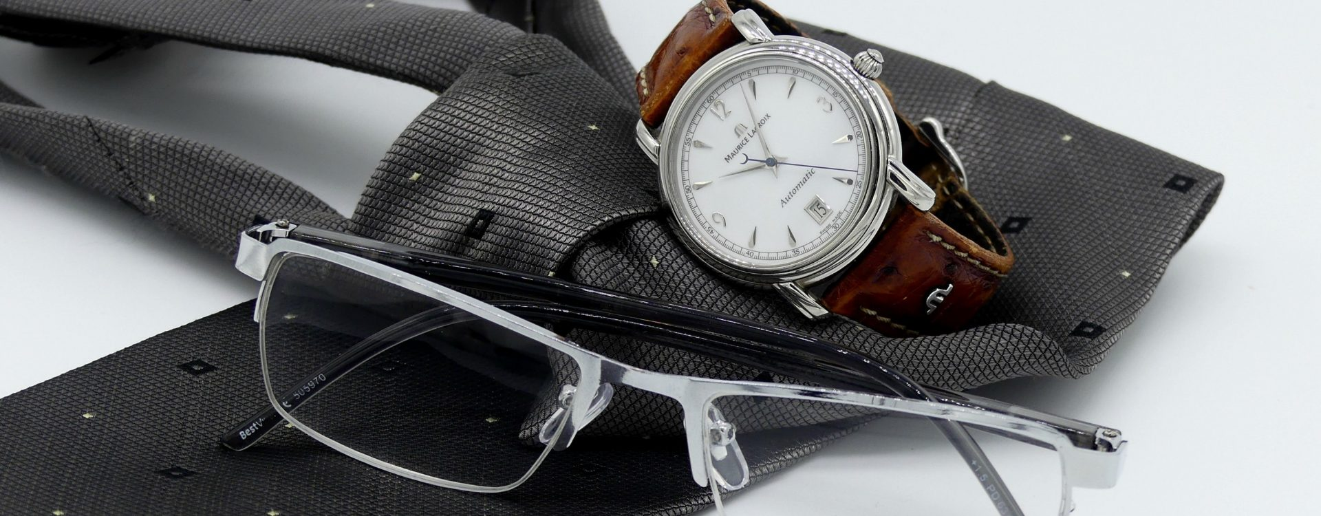 Top 10 Men's Accessories You Should Wear For A Special Occasion