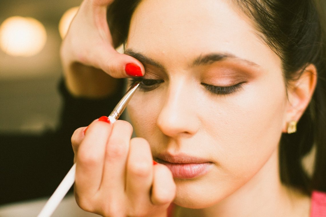Why You Need to Hire a Makeup Artist for Your Big Day